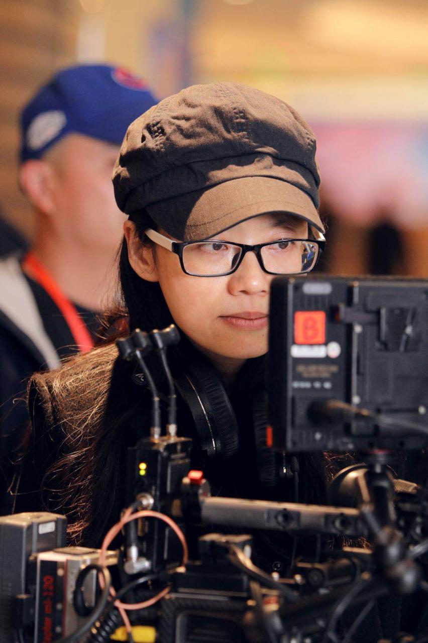 台劇復興!專訪電視劇《做工的人》、電影《聽說》導演鄭芬芬:「戲劇帶來的療癒是最吸引我的事。」