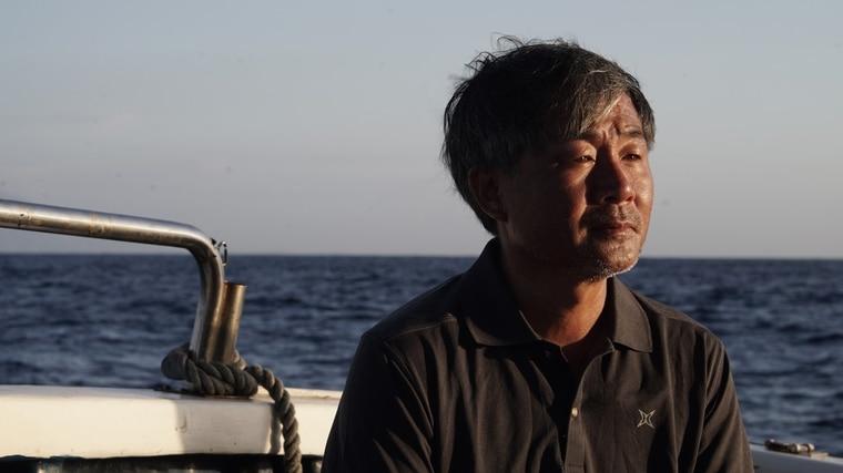 《男人與他的海》紀錄廖鴻基與攝影師金磊奉獻海洋與鯨豚保護的熱血故事。台灣海洋文化影展提供