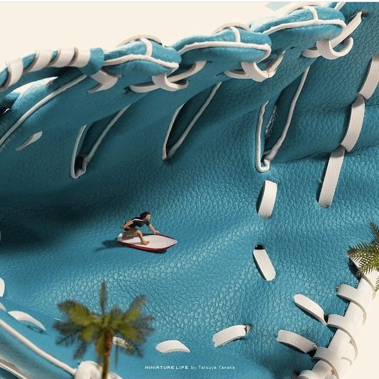 《Olympics Selection》水藍色棒球手套則化身海浪,作為衝浪選手的背景。 圖片來源/@tanaka_tatsuya IG