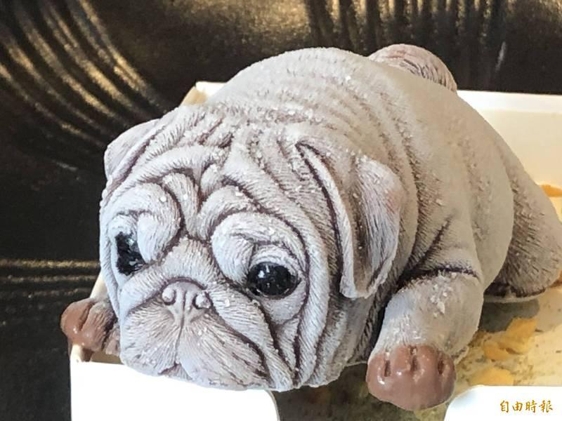 狗狗冰好逼真。(記者羅欣貞攝)